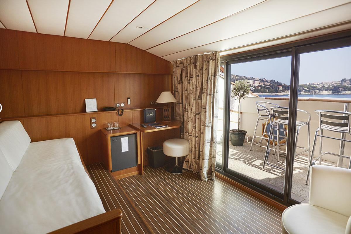 une suite au couleur d 39 une cabine de bateau en bord de mer